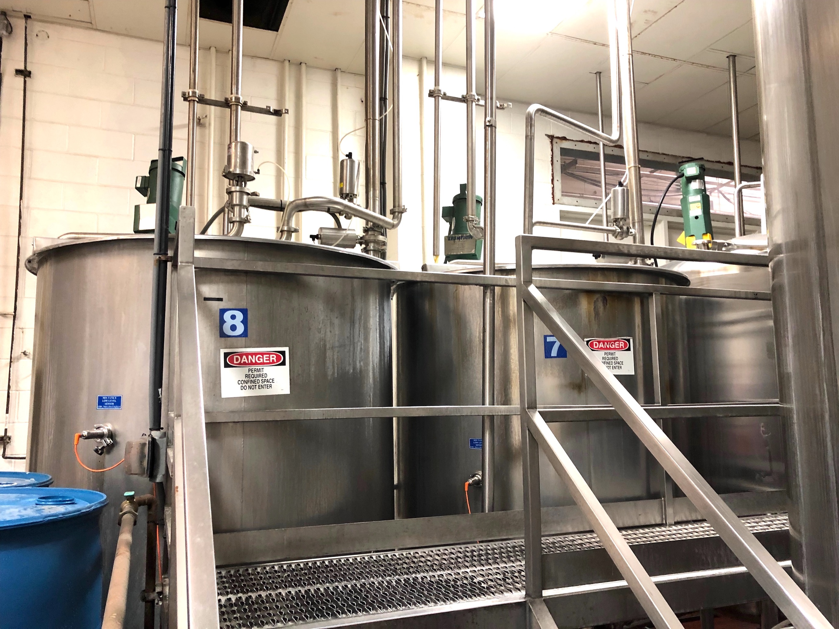 Cherry Burrell 850 Gallon Stainless Steel Mixing Tank