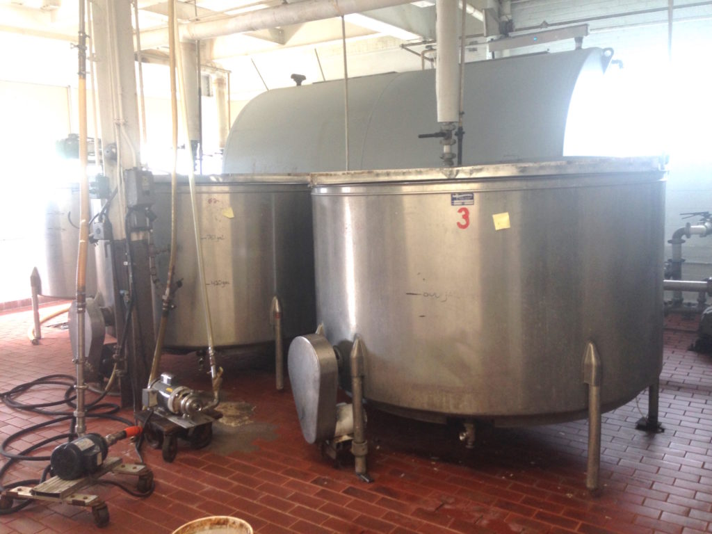Cream City 1 000 Gallon Stainless Steel Mixing Tanks